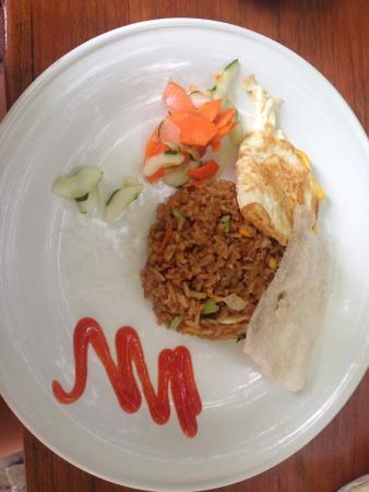 Puri Wisata Bungalows: Uma das opções de café da manhã