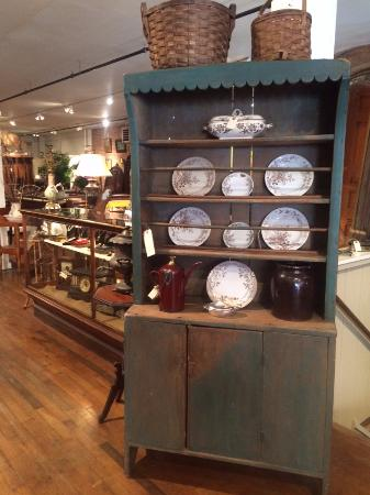Bellows Falls, เวอร์มอนต์: Pewter cupboard showcasing a collection of Ironstone dishes
