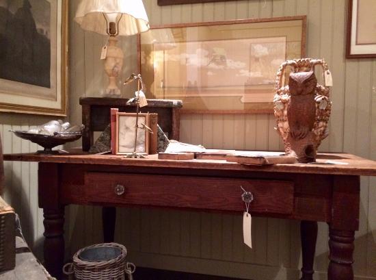Bellows Falls, Вермонт: Pine work table