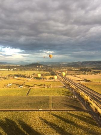写真Balloons Above the Valley枚