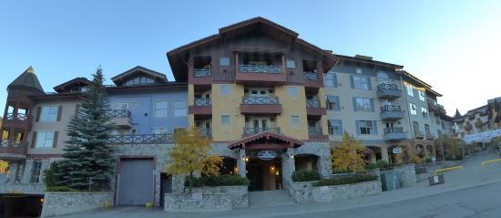 Voici l'hôtel au petit matin....