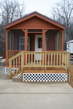 Yogi Bear's Jellystone Park Memphis: Cozy Cabin