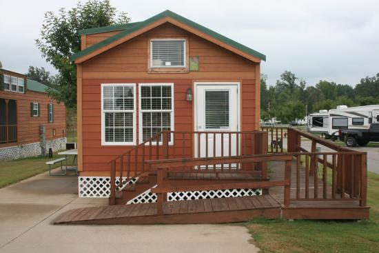 Yogi Bear's Jellystone Park Memphis: Comfort Cabin