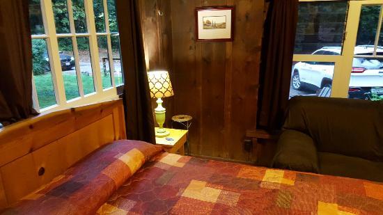 Ripplewood Resort: 20151102_170042_large.jpg