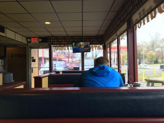Sellersburg, Indiana: Inside next to the counter and buffet