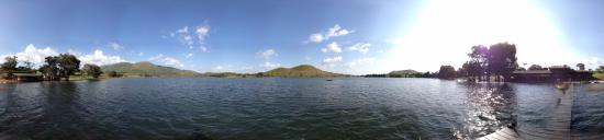 Foumban, Kamerun: El lago de Petpenoum