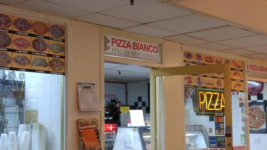 "Sunny Isles Beach, FL: ""Give this little store a try, great pizza!"""