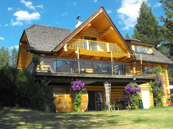 108 Mile Ranch, Canada: AccoLog B&B