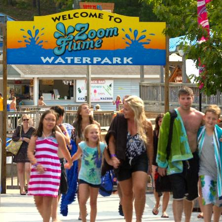 East Durham, NY: Family at Zoom Flume Water Park