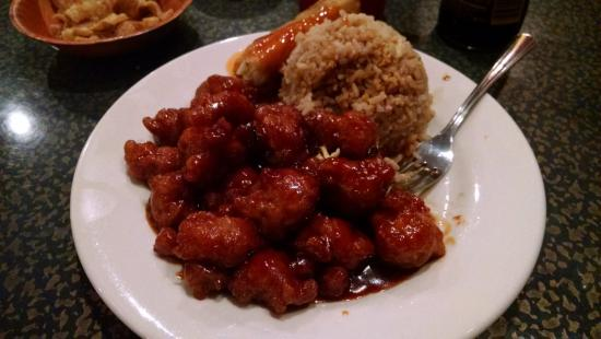 ‪‪Trussville‬, ألاباما: Orange chicken and fried rice with egg roll‬