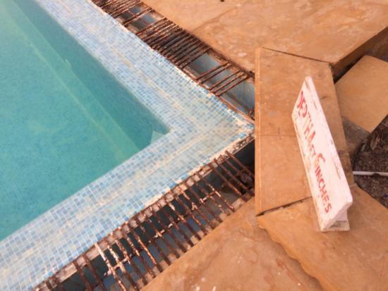 Himmatgarh Palace : Das Hotel ist das schlechteste das wir auf unserer Reise erlebt haben. Die ganze Anlage ist heru
