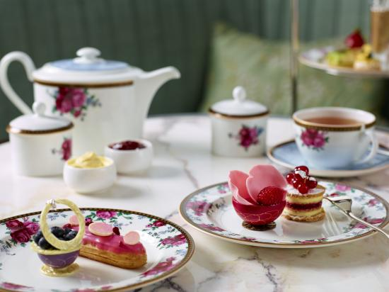 The Langham, Hong Kong: Palm Court - Wedgwood Afternoon Tea