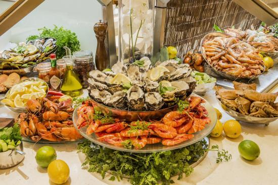 Montereys restaurant restaurant 207 adelaide terrace for 207 adelaide terrace