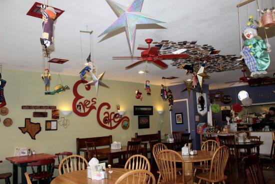 Lampasas, TX: Eva's Cafe on the Square