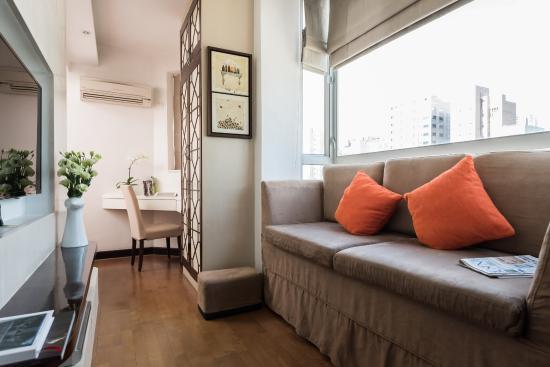 CHI Residences 393: CHI 393 Living