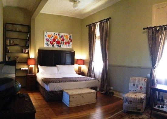 Abbey of the Roses: Room 9 Mercy Suite. King, ensuite, veranda & lots more