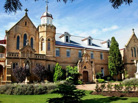 Country House Manor, Abbey of the Roses.  QLD Australia
