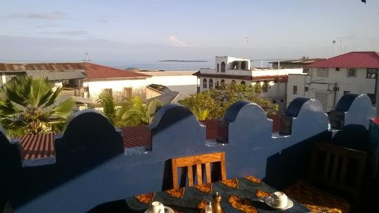 Warere Town House: view from rooftop where breakfast is served