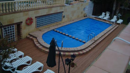 Aparthotel Atlas: Вид с террасы на бассейн