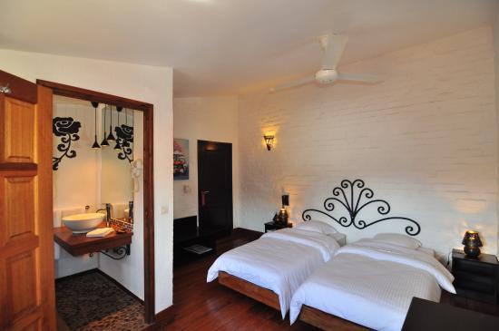 Rova Hotel : Chambre twin