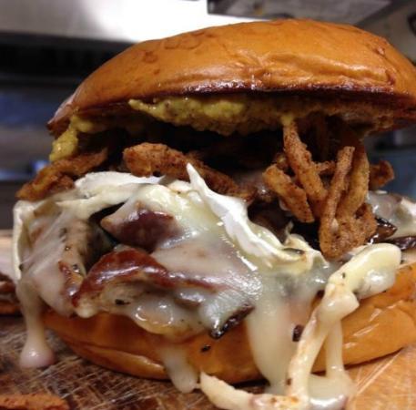 แชปปากัว, นิวยอร์ก: The Home of Specialty Burgers