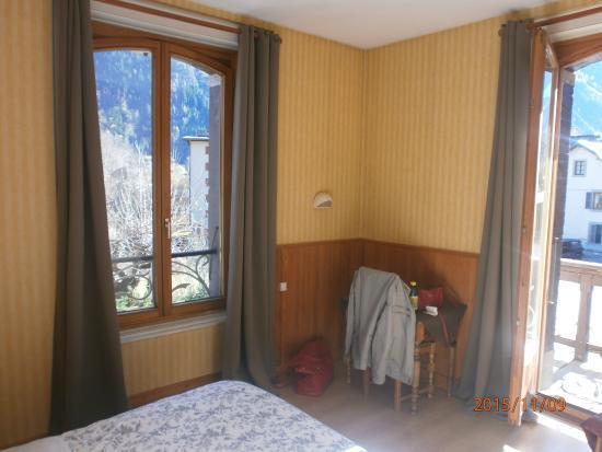 Hotel L'aiguille Verte: chambre .
