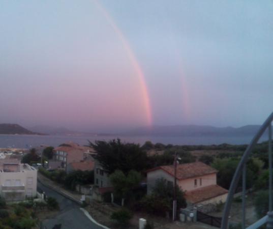 Serra-di-Ferro, Francia: Regenbogen