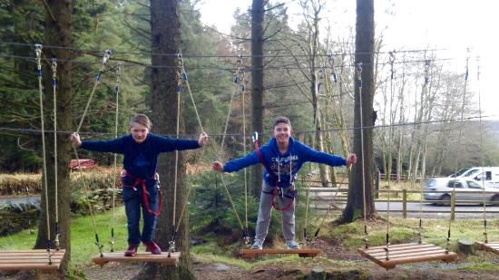 Foxdale, UK: Couldn't have planned a better day! What better to do than play in the trees for a few hours whi