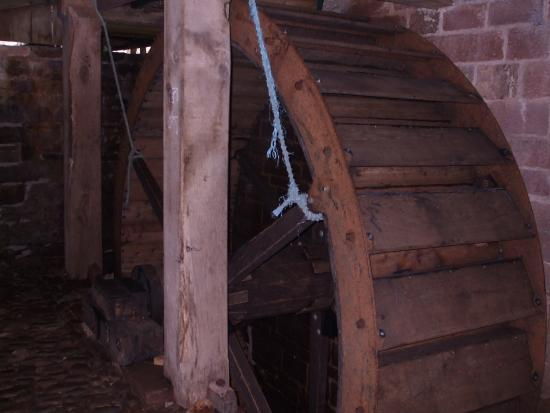 Temple Sowerby, UK : Acorn Bank - the restored waterwheel at the corn mill