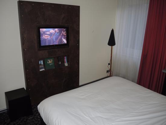 Ibis Styles Herten: room with TV