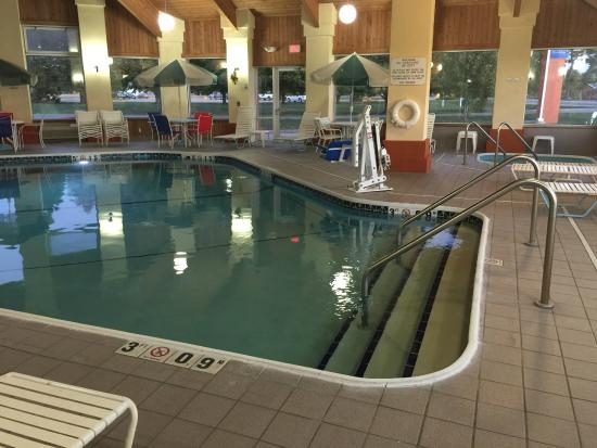 Baymont Inn & Suites Pella: pool3