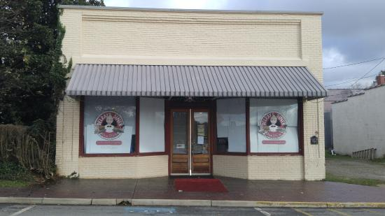 Chase City, VA: Pretty cool food in an old time cafe atmostphere.