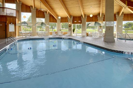 Baymont Inn & Suites Pella: pool1