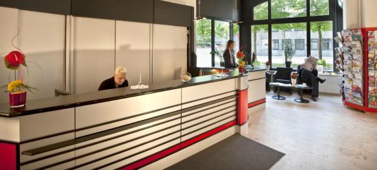 Hotel Berliner Hof: Rezeptionsbereich