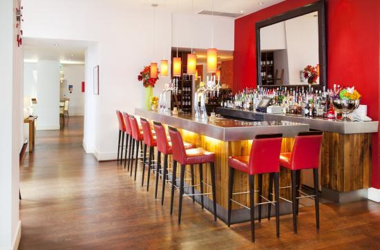 West Coker, UK: Bar