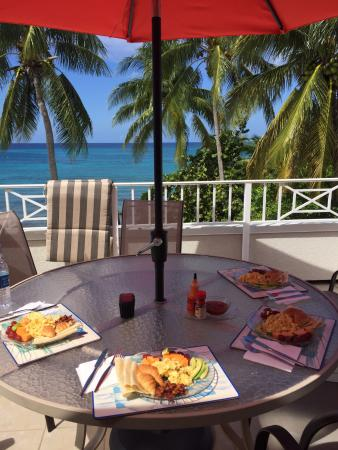 Sunset Cove: Breakfast on the balcony