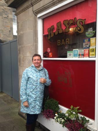 Kays Bar : Outside the pub