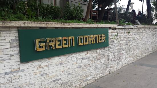 Green Corner Cafe and Restaurant: insegna