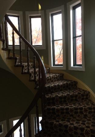Hotel Brexton: lovely old staircase