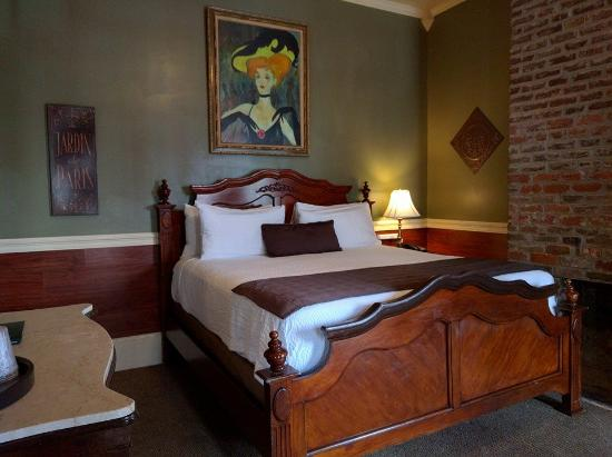 The Frenchmen Hotel: Room 200 features a private balcony overlooking Frenchmen St.