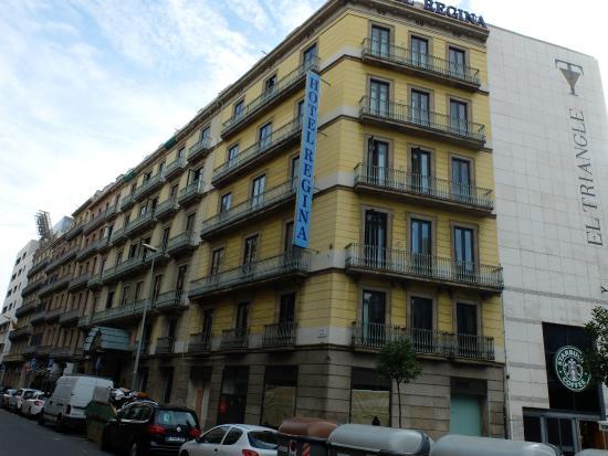 Entr e picture of hotel regina barcelona barcelona for Hotel regina barcelona booking