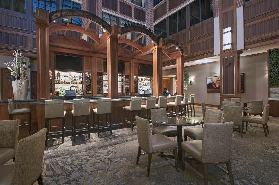 The Westin Houston Downtown: Lobby Bar
