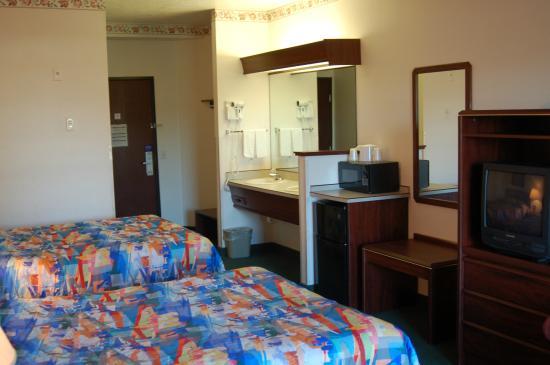 motel 6 newport 86 9 8 updated 2018 prices hotel. Black Bedroom Furniture Sets. Home Design Ideas