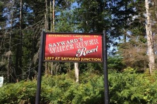 Sayward, Canada: Left after the sign