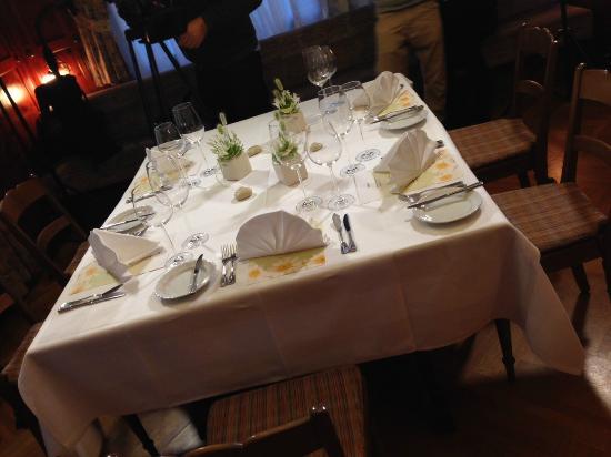Gasthaus Frohsinn: Bankett Tisch