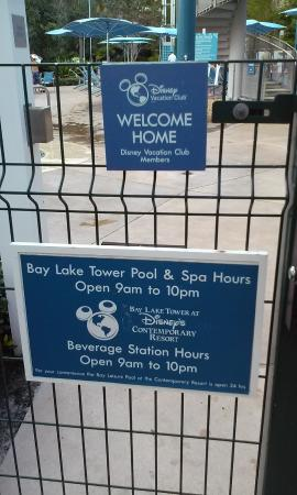 Bay Lake Tower at Disney's Contemporary Resort: Pool Hours