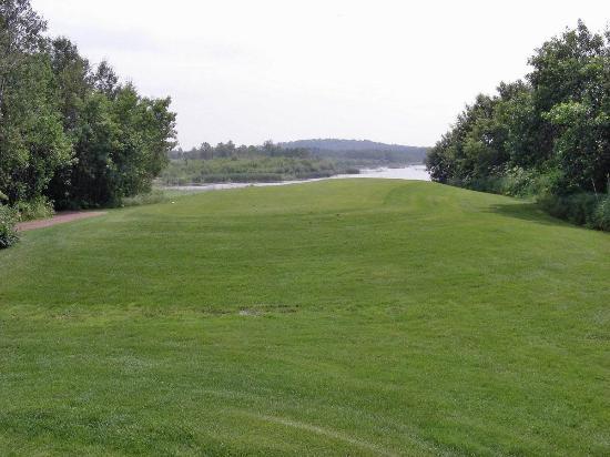 Carlyle, Kanada: Teeing area