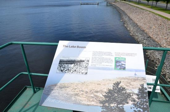 Fort Frances, Kanada: Info boards