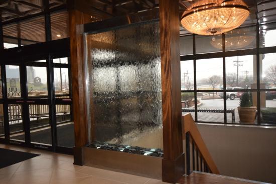 Best Western Plus Waltham Boston: Peaceful lobby