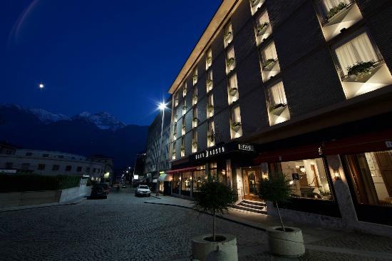 Hotel duca d 39 aosta aoste italie voir les tarifs 73 for Trouver des hotels